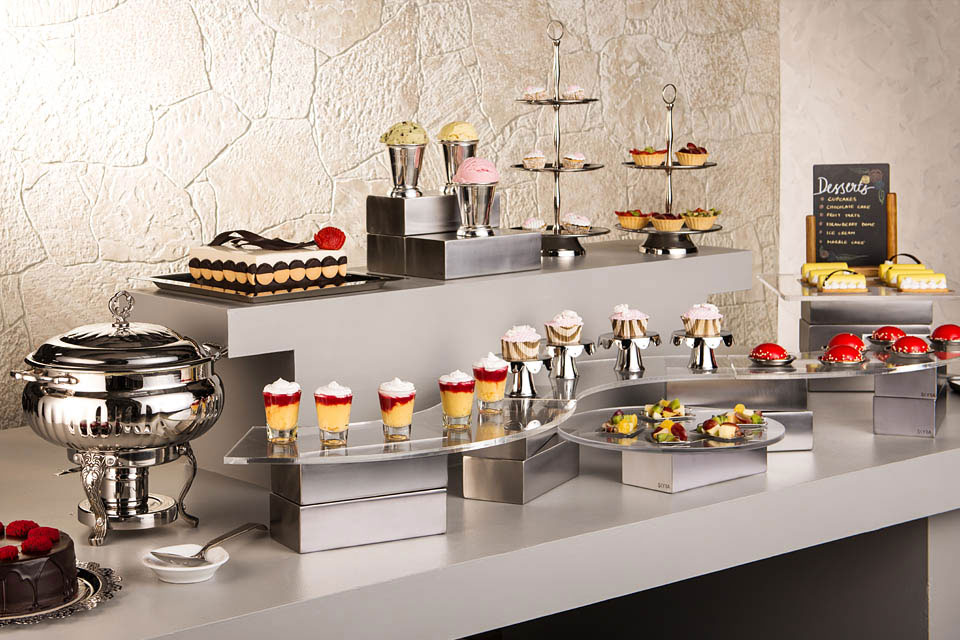 Mirror Steel Dessert Station